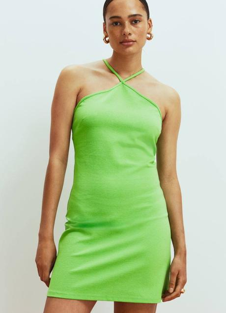 With the H&M dress you will get a beautiful and comfortable look